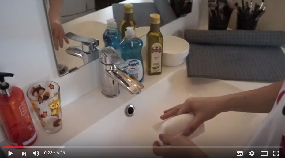 [VIDÉO] 2 méthodes pour nettoyer tes pinceaux comme une pro