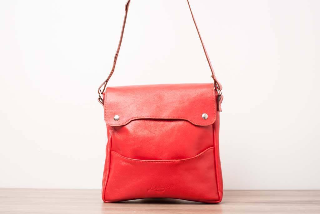 Le sac à main de couleur qui transformera ton look